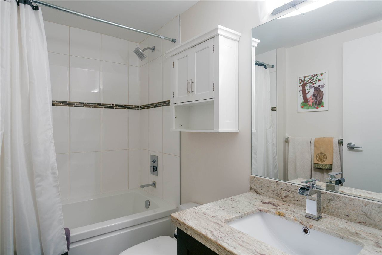"""Photo 13: Photos: 401 E 16TH Avenue in Vancouver: Mount Pleasant VE Condo for sale in """"Sixteen East"""" (Vancouver East)  : MLS®# R2494870"""