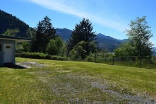 Photo 5: 112 School Hill Rd in : NI Tahsis/Zeballos Manufactured Home for sale (North Island)  : MLS®# 879754