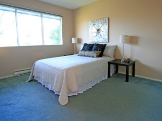 """Photo 5: 1053 CECILE Drive in Port Moody: College Park PM Townhouse for sale in """"CECILE HEIGHTS"""" : MLS®# V931590"""