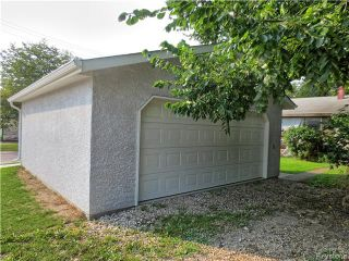 Photo 3: 1840 McDermot Avenue West in WINNIPEG: Brooklands / Weston Residential for sale (West Winnipeg)  : MLS®# 1524655