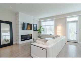 """Photo 4: 16 19938 70 Avenue in Langley: Willoughby Heights Townhouse for sale in """"CREST"""" : MLS®# R2493488"""