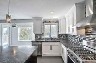 Photo 11: 29 West Cedar Point SW in Calgary: West Springs Detached for sale : MLS®# A1131789