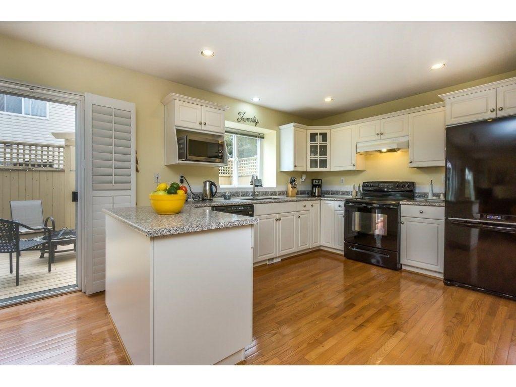 Photo 7: Photos: 9456 202B Street in Langley: Walnut Grove House for sale : MLS®# R2125683