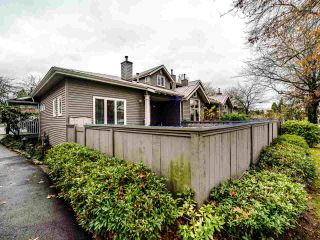 """Photo 20: 1563 BOWSER Avenue in North Vancouver: Norgate Townhouse for sale in """"ILLAHEE"""" : MLS®# R2523734"""