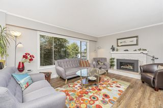 Photo 11: A 2042 Melville Dr in : Si Sidney North-East Half Duplex for sale (Sidney)  : MLS®# 872245
