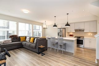 """Photo 3: 71 8371 202B Street in Langley: Willoughby Heights Townhouse for sale in """"Kensington Lofts"""" : MLS®# R2624077"""