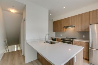 """Photo 12: 43 1188 WILSON Crescent in Squamish: Dentville Townhouse for sale in """"The Current"""" : MLS®# R2259461"""