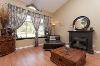 Photo 4: 2402 MARIANA Place in Coquitlam: Cape Horn House for sale : MLS®# V1028959