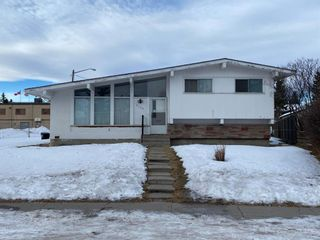 Photo 1: 9235 5 Street SE in Calgary: Acadia Detached for sale : MLS®# A1062169