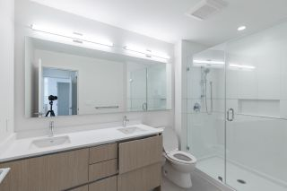 """Photo 12: 1302 8940 UNIVERSITY Crescent in Burnaby: Simon Fraser Univer. Condo for sale in """"Terraces at the Park"""" (Burnaby North)  : MLS®# R2555669"""