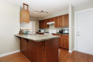 """Photo 4: 305 33960 OLD YALE Road in Abbotsford: Central Abbotsford Condo for sale in """"Old Yale Heights"""" : MLS®# R2614204"""