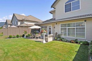 """Photo 4: 4 758 RIVERSIDE Drive in Port Coquitlam: Riverwood Townhouse for sale in """"Riverlane Estates"""" : MLS®# R2397277"""