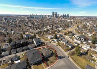 Main Photo: 808 10 Street NE in Calgary: Renfrew Detached for sale : MLS®# A1091434
