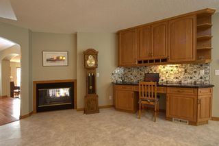 Photo 13: 2018 56 Avenue SW in Calgary: North Glenmore Park Detached for sale : MLS®# A1153121