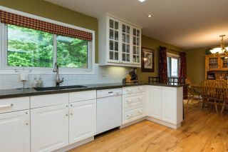 """Photo 6: 2267 PARK Crescent in Coquitlam: Chineside House for sale in """"CHINESIDE"""" : MLS®# R2172163"""