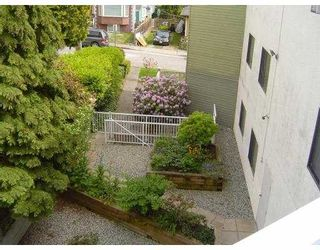 """Photo 10: 301 327 9TH Street in New Westminster: Uptown NW Condo for sale in """"KENNEDY MANOR"""" : MLS®# V831845"""