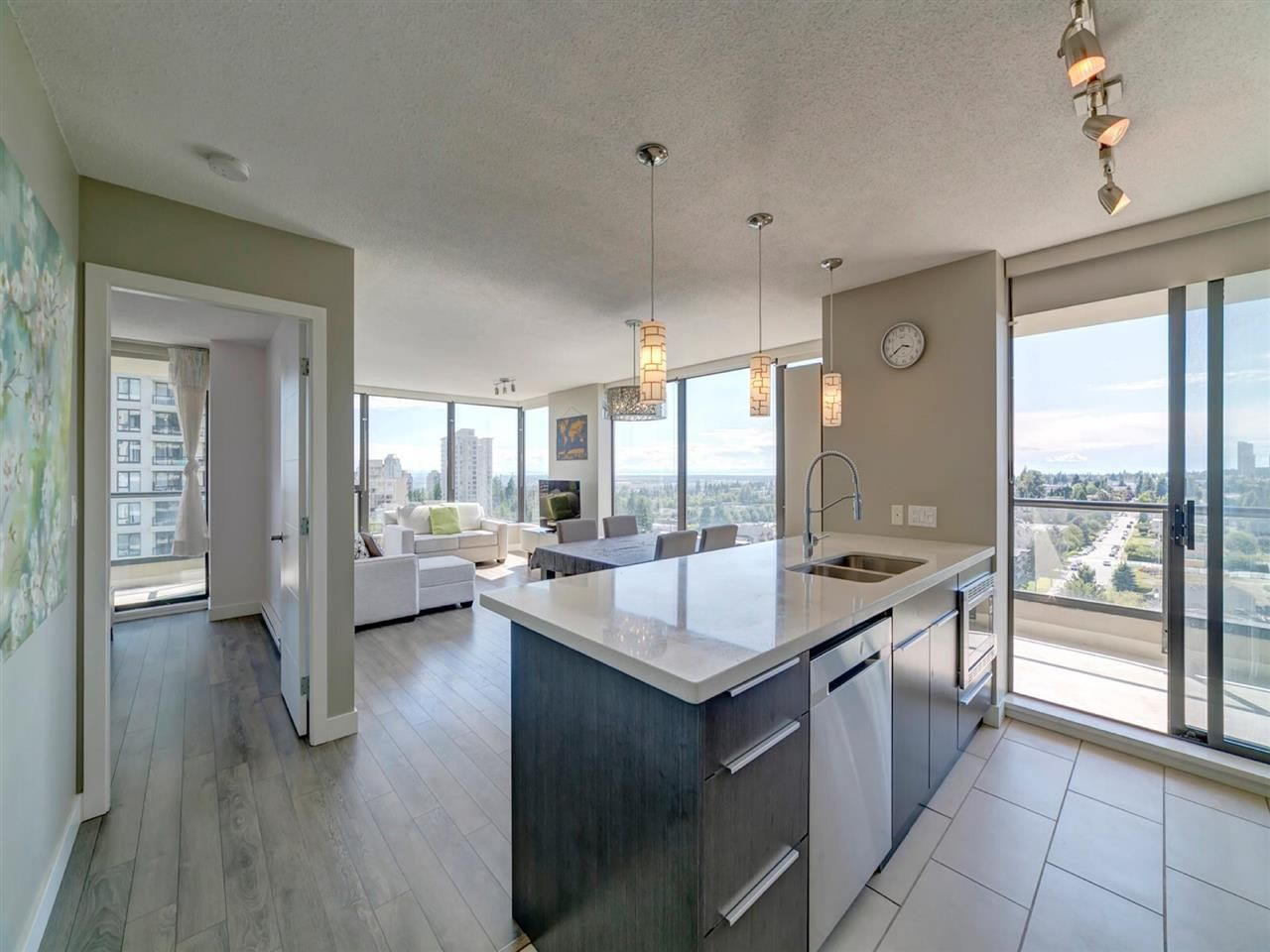 Main Photo: 1502 7108 COLLIER Street in Burnaby: Highgate Condo for sale (Burnaby South)  : MLS®# R2589134