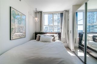 """Photo 5: 1207 989 RICHARDS Street in Vancouver: Downtown VW Condo for sale in """"MONDRIAN I"""" (Vancouver West)  : MLS®# R2373679"""