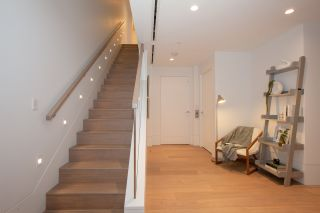 """Photo 15: TH1 2289 BELLEVUE Avenue in West Vancouver: Dundarave Townhouse for sale in """"Bellevue by Cressey"""" : MLS®# R2596483"""