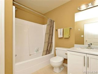 Photo 13: 1646 Myrtle Ave in VICTORIA: Vi Oaklands Row/Townhouse for sale (Victoria)  : MLS®# 701228