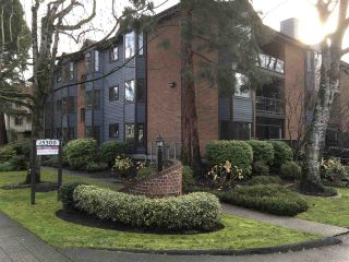 Photo 1: 105 15300 17 AVENUE in Surrey: King George Corridor Condo for sale (South Surrey White Rock)  : MLS®# R2124370