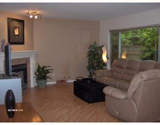 """Photo 2: 21 1251 LASALLE Place in Coquitlam: Canyon Springs Townhouse for sale in """"CHATEAU LASALLE"""" : MLS®# V653219"""