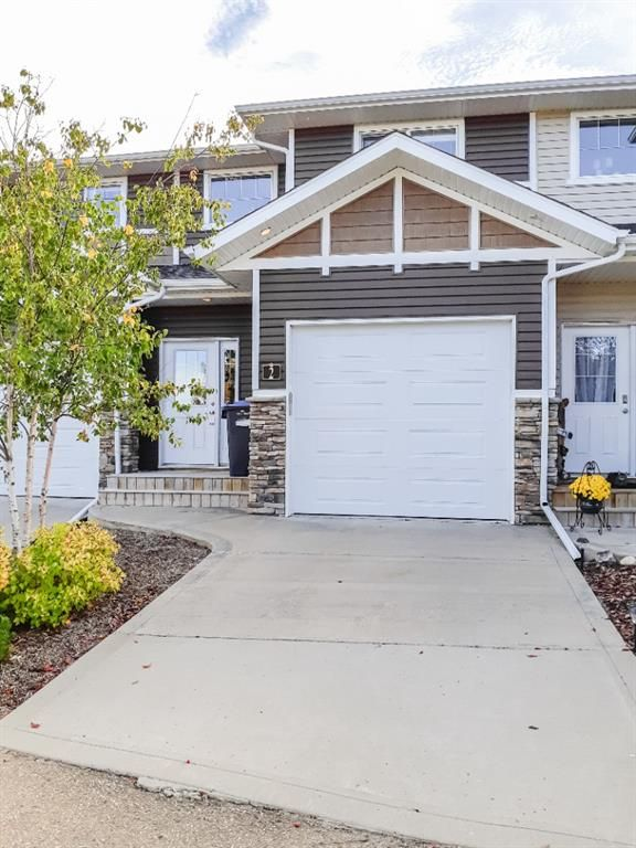 Main Photo: #2 5301 Windward Place Place: Sylvan Lake Row/Townhouse for sale : MLS®# A1146855