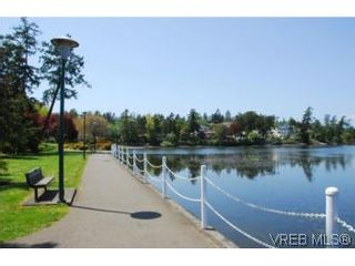 Photo 17: 403 1085 Tillicum Rd in VICTORIA: Es Kinsmen Park Condo for sale (Esquimalt)  : MLS®# 504110