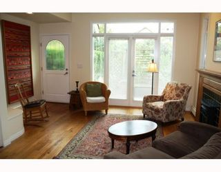 Photo 2: 3103 W 3RD Avenue in Vancouver: Kitsilano 1/2 Duplex for sale (Vancouver West)  : MLS®# V771604