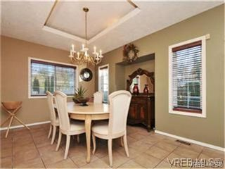 Photo 8: 1290 Les Meadows in VICTORIA: SE Sunnymead Residential for sale (Saanich East)  : MLS®# 324296