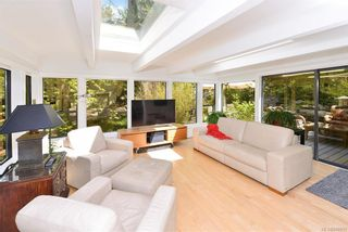 Photo 7: 1010 Donwood Dr in Saanich: SE Broadmead House for sale (Saanich East)  : MLS®# 840911