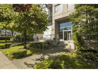 """Photo 3: 804 2483 SPRUCE Street in Vancouver: Fairview VW Condo for sale in """"Skyline on Broadway"""" (Vancouver West)  : MLS®# R2611629"""