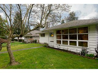 Photo 2: 1189 SHAVINGTON ST in North Vancouver: Calverhall House for sale : MLS®# V1106161