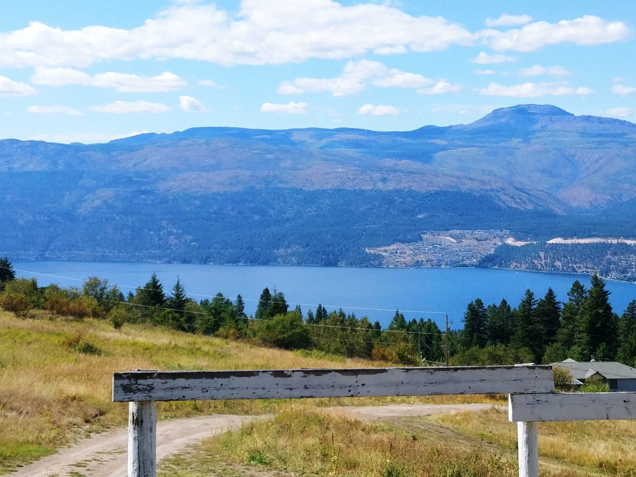 Main Photo: 18125 Hereford Road in Lake Country: Lake Country North West House for sale (Central Okanagan)  : MLS®# 10226093