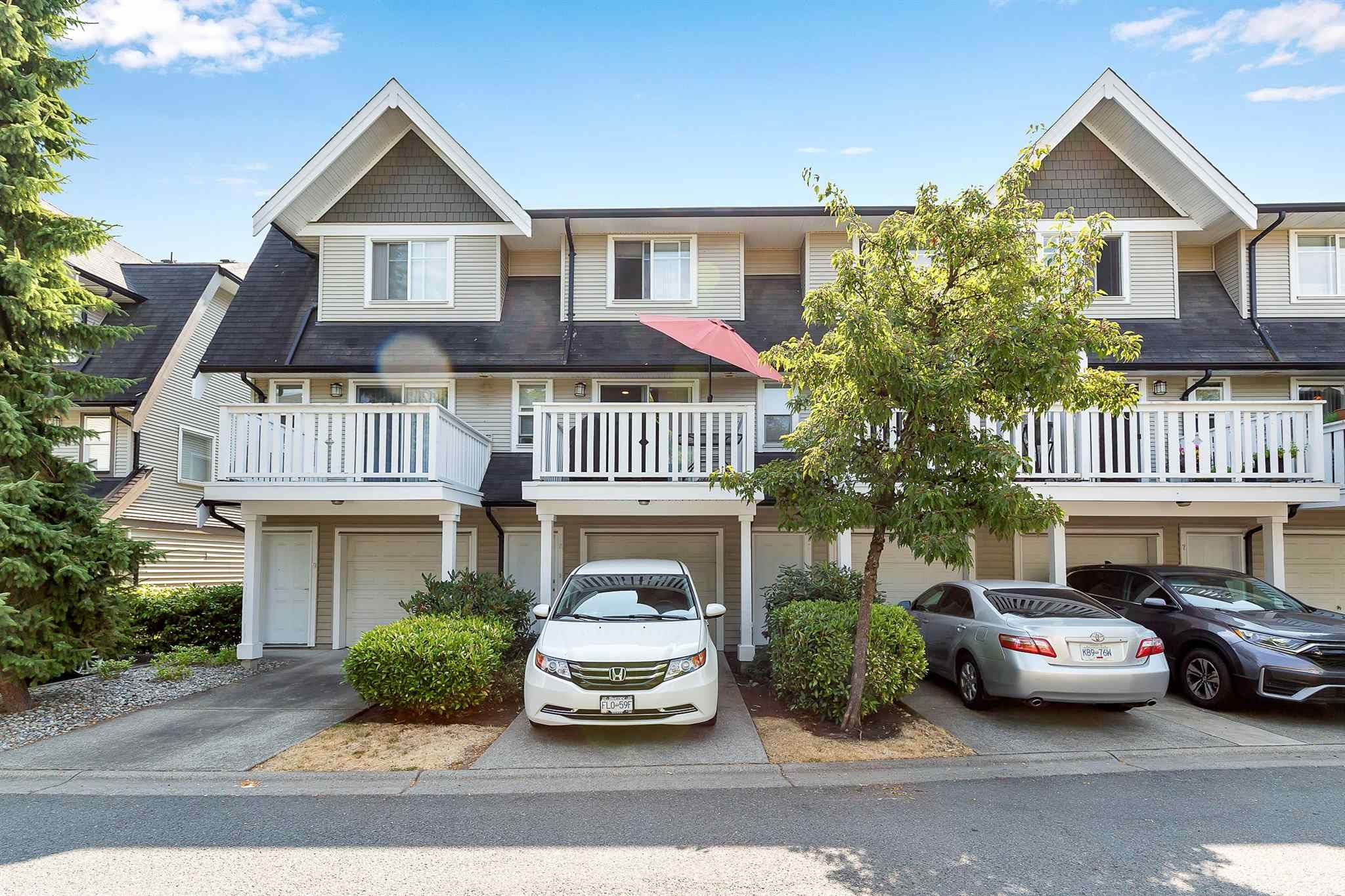 """Photo 29: Photos: 9 15871 85 Avenue in Surrey: Fleetwood Tynehead Townhouse for sale in """"Huckleberry"""" : MLS®# R2606668"""