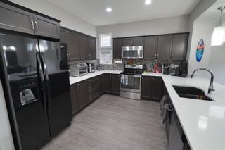 Photo 1: 5629 175A Avenue in Edmonton: Zone 03 House for sale : MLS®# E4260282
