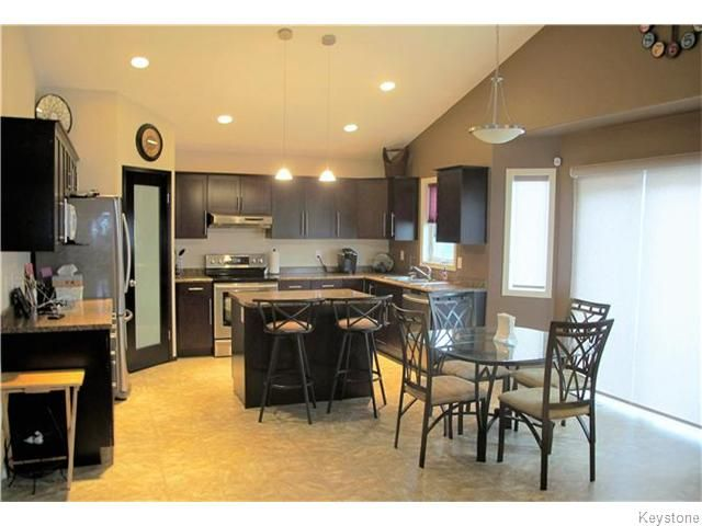 Photo 4: Photos:  in Winnipeg: Transcona Residential for sale (North East Winnipeg)  : MLS®# 1605661