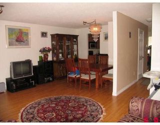 """Photo 5: 101 15529 87A Avenue in Surrey: Fleetwood Tynehead Townhouse for sale in """"EVERGREEN ESTATES"""" : MLS®# F2906932"""