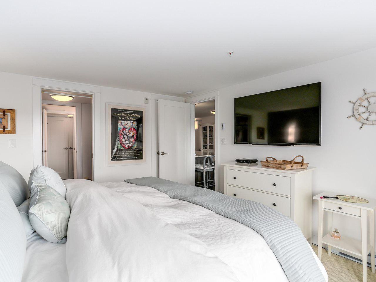 "Photo 12: Photos: 202 14955 VICTORIA Avenue: White Rock Condo for sale in ""SAUSALITO BEACH SIDE LIVING"" (South Surrey White Rock)  : MLS®# R2128764"