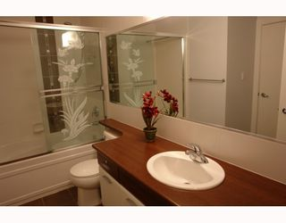 """Photo 8: 102 9233 FERNDALE Road in Richmond: McLennan North Condo for sale in """"RED II"""" : MLS®# V812338"""