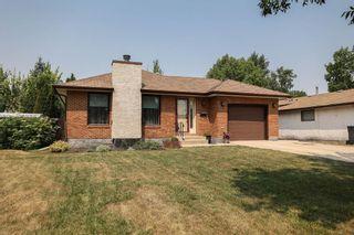 Photo 1: 8 Charles Hawkins Bay in Winnipeg: North Kildonan Residential for sale (3G)  : MLS®# 202119134