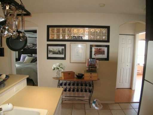 """Photo 3: Photos: 404 155 E 3RD ST in North Vancouver: Lower Lonsdale Condo for sale in """"THE SOLANO"""" : MLS®# V610957"""