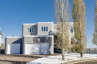Photo 1: 136 Woodacres Drive SW in Calgary: Woodbine Detached for sale : MLS®# A1045997