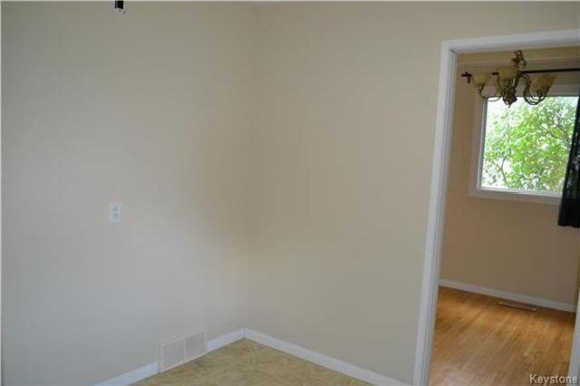 Photo 8: Photos: 339 Dussault Avenue in Winnipeg: Windsor Park Residential for sale (2G)  : MLS®# 1725085