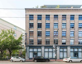 """Photo 2: 219 55 E CORDOVA Street in Vancouver: Downtown VE Condo for sale in """"KORET LOFTS"""" (Vancouver East)  : MLS®# R2560777"""