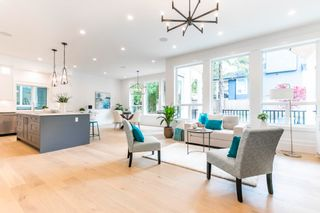 """Photo 10: 866 163A Street in Surrey: King George Corridor House for sale in """"East Beach"""" (South Surrey White Rock)  : MLS®# R2599557"""