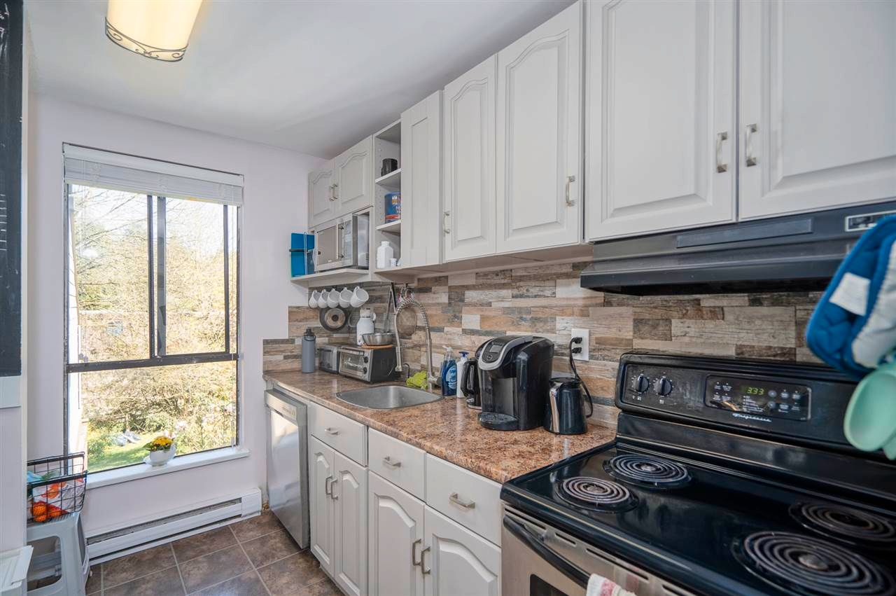 """Photo 11: Photos: 204 9143 SATURNA Drive in Burnaby: Simon Fraser Hills Townhouse for sale in """"Mountain Wood"""" (Burnaby North)  : MLS®# R2569786"""