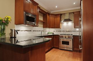 """Photo 3: 102 1135 BARCLAY Street in Vancouver: West End VW Townhouse for sale in """"BARCLAY ESTATES"""" (Vancouver West)  : MLS®# V917535"""