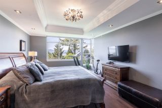 """Photo 25: 8561 SEASCAPE Lane in West Vancouver: Howe Sound Townhouse for sale in """"Seascapes"""" : MLS®# R2533787"""