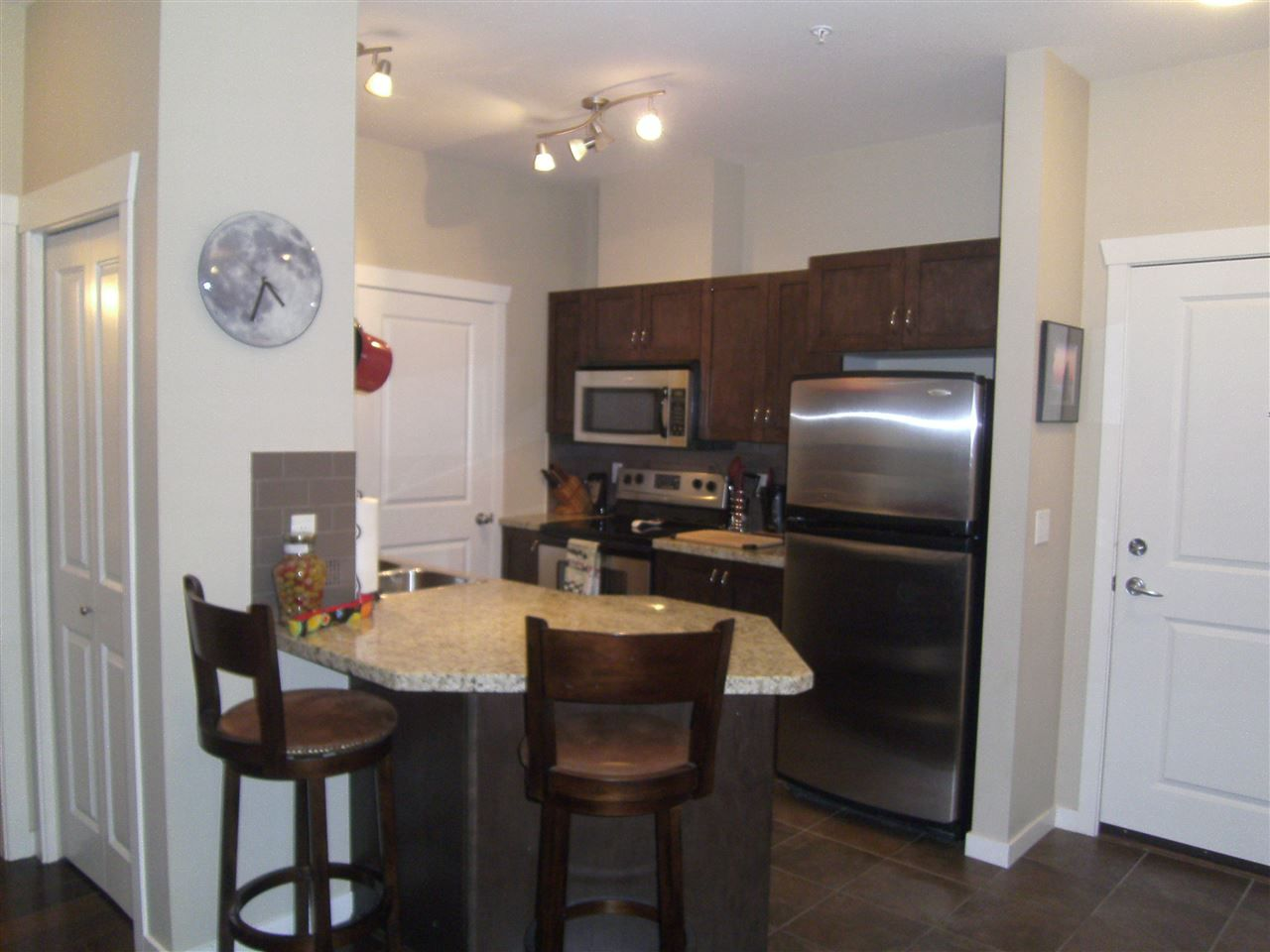 """Photo 7: Photos: 304 2336 WHYTE Avenue in Port Coquitlam: Central Pt Coquitlam Condo for sale in """"CENTREPOINTE"""" : MLS®# R2014539"""